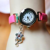 2014 New Fashion Women Rhinestone Watches Ladies Gold Watch Rose pendant