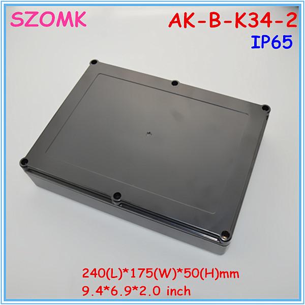 1 piece free shipping IP 65 black color weatherproof box(China (Mainland))