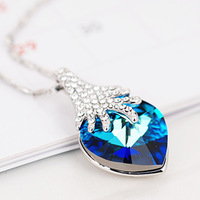 Elegant austria crystal strawberry female necklace short design chain gift