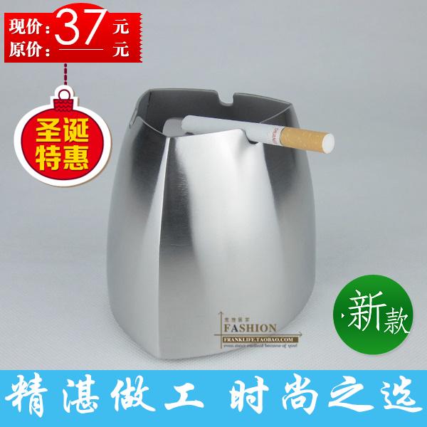 Trigonometric taper stainless steel ashtray belt fashion windproof smoke cup gift(China (Mainland))