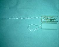 MOQ=5000pcs/custom printed clothing seal hang tag/plastic hang tag with string and rope