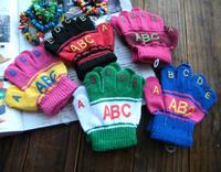 The letter children full finger gloves  5 finger glove glove factory wholesale female baby