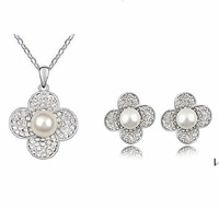 Austrian Crystal White Gold Tone Clover Pendant Necklace Stud Earrings Sets