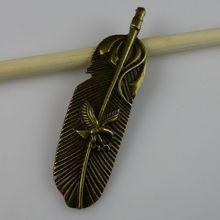 Grátis frete 11266 liga águia encantos pena pendente de estilo antigo Bronze Vintage Tone(China (Mainland))