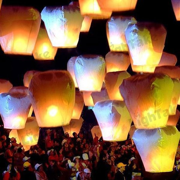 BL28 Romantic Love Chinese Sky Lantern with Fuel Paper Kongming Flying Wishing Lamp For Wedding Party Balloons & Lights(10pc(China (Mainland))