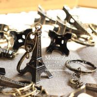 Retail  5cm Vintage Eiffel Tower Keychain  (MA)