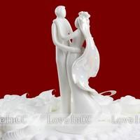Bride and groom wedding cake decoration wedding props wedding cake lilliputian decoration