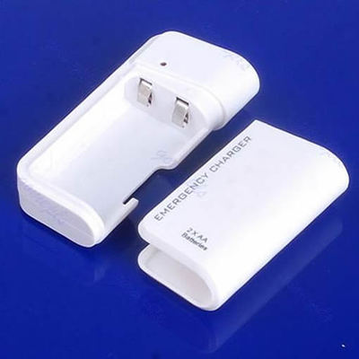 F98AA Battery Emergency USB Charger With Flashlight For iPhone 4G 3G 3GS ipod White(China (Mainland))