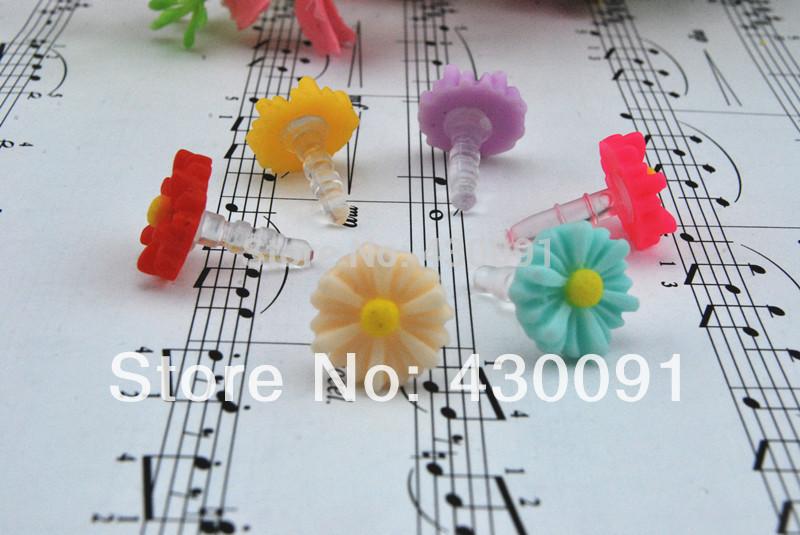 Free Shipping High Quality plastic 3.5mm Headset Jack Dust Cap Chrysanthemum Earphone Dust Plug --10pcs/lot(China (Mainland))