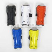 Soccer shin pads galligaskins shin pads protective equipment professional football shank flanchard pad