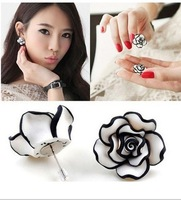 New Wholesale 12pairs/lot Fashion Simple Black White Rose Flower Stud Earring Free Shipping