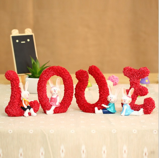 2014 new love roses rabbit, home resin crafts decorations, romantic Wedding gifts 4pcs/pack 2pack/lot H44 free shipping(China (Mainland))