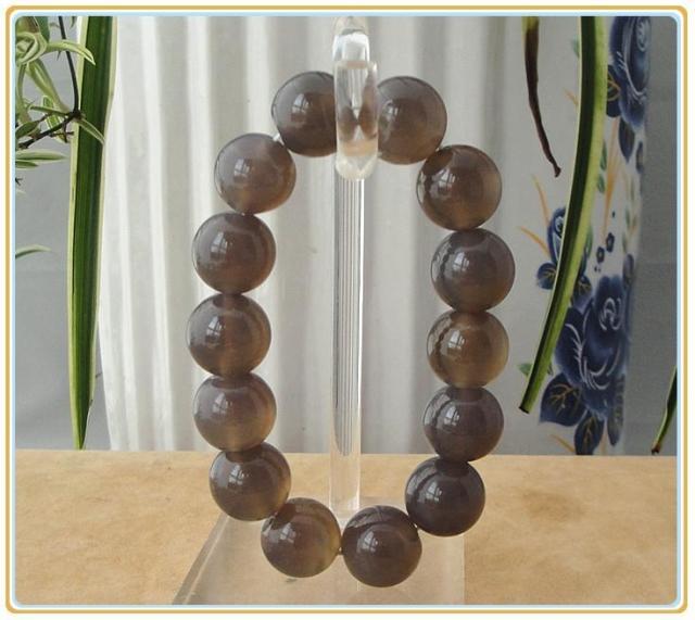 Agate bracelet jade bracelet grape grey agate bracelet jade accessories health care gift(China (Mainland))
