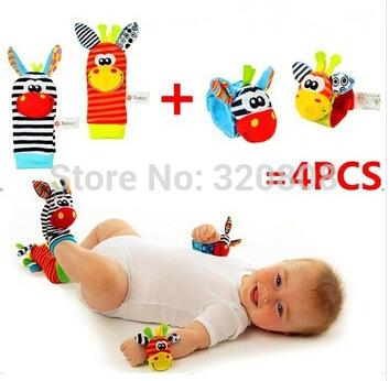Visão Audição Developmental Chocalho do bebê Brinquedos Wrist Rattle + Pé Meias 4PCS / SET(China (Mainland))