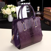 spring and summer handbags crocodile pattern shaping European and American fashion bags ladies hand bag banquet noble qualities