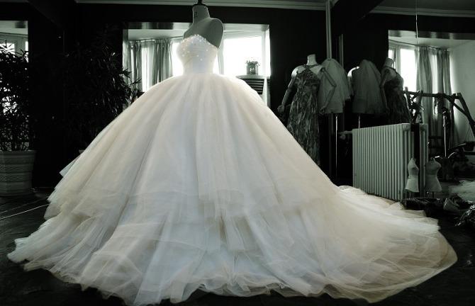 2013 nobile di lusso abito da sposa abito da ballo tubo di lusso top senza spalline a diamante abiti da sposa abito da sposain treno