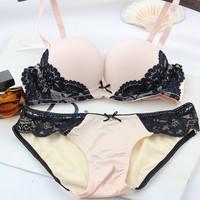 Free Shipping European and American lingerie American big V * S super sexy bra set gather Bra Set