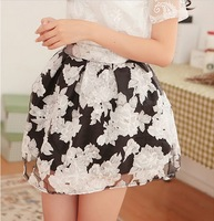 2014 summer printed chiffon skirt  pleated skirt  Organza  short skirts black and white