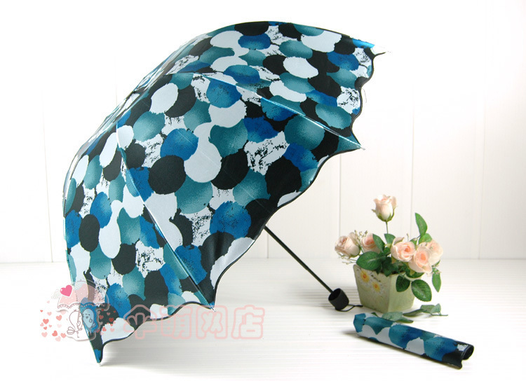 Sun Rain ultra light unshade Pencil Multi color three folding Umbrellas men women Kids Free Shipping U039(China (Mainland))