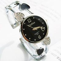 2014 new round clockface   Ms. fashion bracelet watch   Quartz gift watch