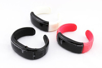 Free shipping Fashion Bracelet watch answer call w/ Vibration + Mic + Speaker + Time + Cell phone anti-theft