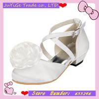 2014 New Satin Banquet Girls Sandals Round head  Princess Children's party Flower Sandals  Girls single shoes with White Flower