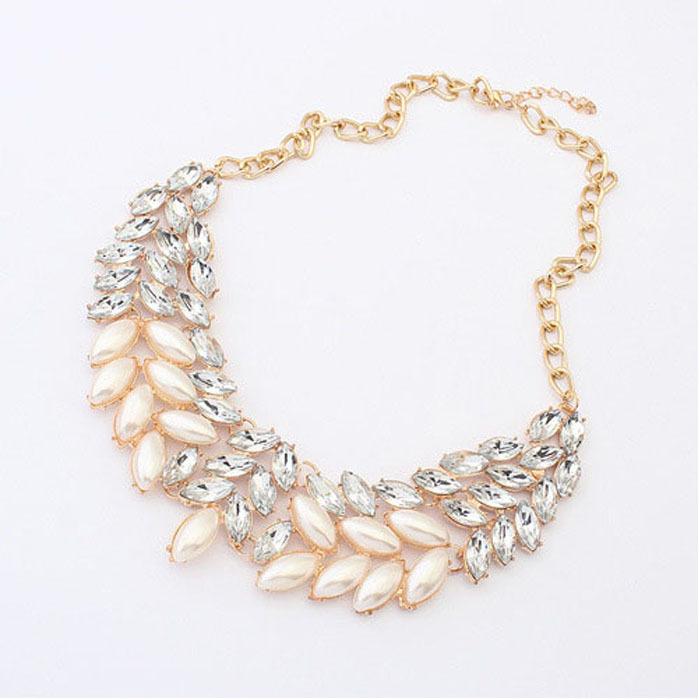 Hot Sale 2015 Lady Fashion Pearl Rhinestone Crystal Chunky Collar Statement Necklace Puscard(China (Mainland))