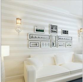 schlichte und moderne nicht gewebtes wei beige streifen tapeten tapeten wandbilder rollen f r. Black Bedroom Furniture Sets. Home Design Ideas