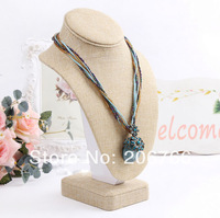 Wholesale New Fashion High Quality Jewelry Display Bust Necklace Jewellery Display Stand jewelry holder