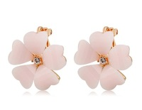 Flower Crystal Decorated Clip-on Earrings       LHP-5718D