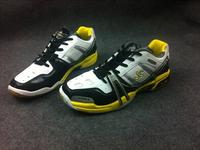 Calibur Male Professional Badminton Shoes Super Light Training Shoes Men's Athletic Shoes 5 pairs Available