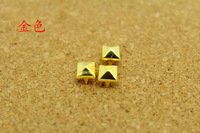 200pcs 6MM Gold Rivet Studs Spots Pyramid Rivets Metal Claw Beads Nailhead Punk Rock Spike CellPhone Leathercraft Accessory