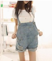 2014 summer distrressed loose denim suspenders shorts