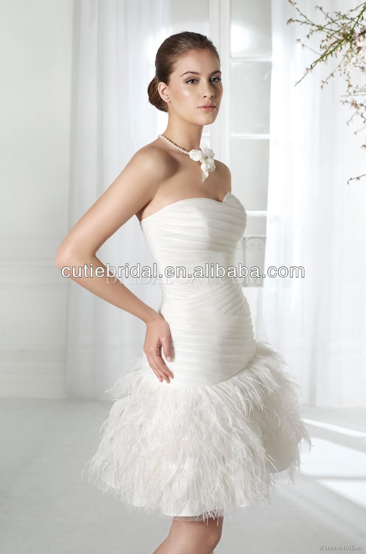 ... amie simple plume. mariée courte robe de mariée robes de dentelle