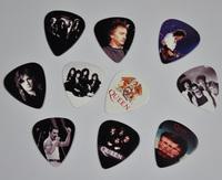 Lots of 20Pcs Queen 2 sides printing Guitar Picks  Plectrum Medium Size 0.71mm