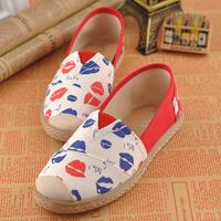 2014 Summer new korean fashion lip pattern canvas shoes female loafers women flat footwear