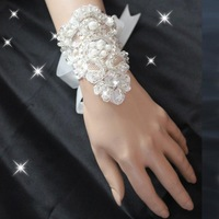 Hot Sale 2013 New Crystal Pearl Rhinestone Fingerless Short White Lace Bride  Wedding Party Gloves Free Shipping