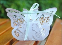 30Pcs/lot Gorgeous White Heart Shape Embossed Wedding Candy Box Wedding Favor Gift Boxes With Bow Wedding Decorations