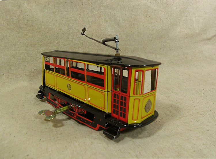 Iron tram model car models retro tin toys gift ideas Christmas collectibles, wind-up toy(China (Mainland))