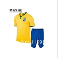 Free shipping, and promote the quality of 2014 adult men's football World Cup Brazil football shirt + shorts can be customized