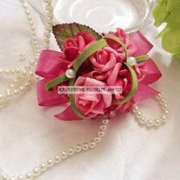New Prom PE Foam 10pcs Boutonniere Wedding Decoration for Bridesmaid Artificial Rose Corsage Wrist Flower Bracelet Red FL1505