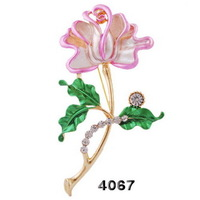 Free Shipping Top Quality 2014 New Arrived Elegant Rhinestone Flower Alloy Brooch Plated Gold Wholesale C33113