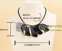 MARNI resin sheet metal mash personalized leather flowers three double flowers tricolor flower lace collar necklace