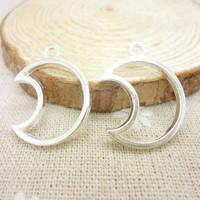 90 pcs Charms Moon Pendant  Bright silver  Zinc Alloy Fit Bracelet Necklace DIY Metal Jewelry Findings