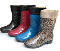 2014 new warm rain boots for women lady's mid-calf fashion PVC winter cotton fabric liner shoes female  water shoes 729 829