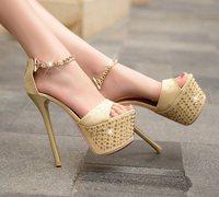 мода весна лето Женская обувь стадо насосов круглый мыс Платформа пряжки ремень красный снизу толстые каблуки Патри заклепками ql3742