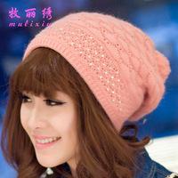 2014 Caps Skullies Gorro New Winter Diamond Female Hand Sets Single Head Cotton Knitted Hat Rabbit Stickers Wholesale Fashion