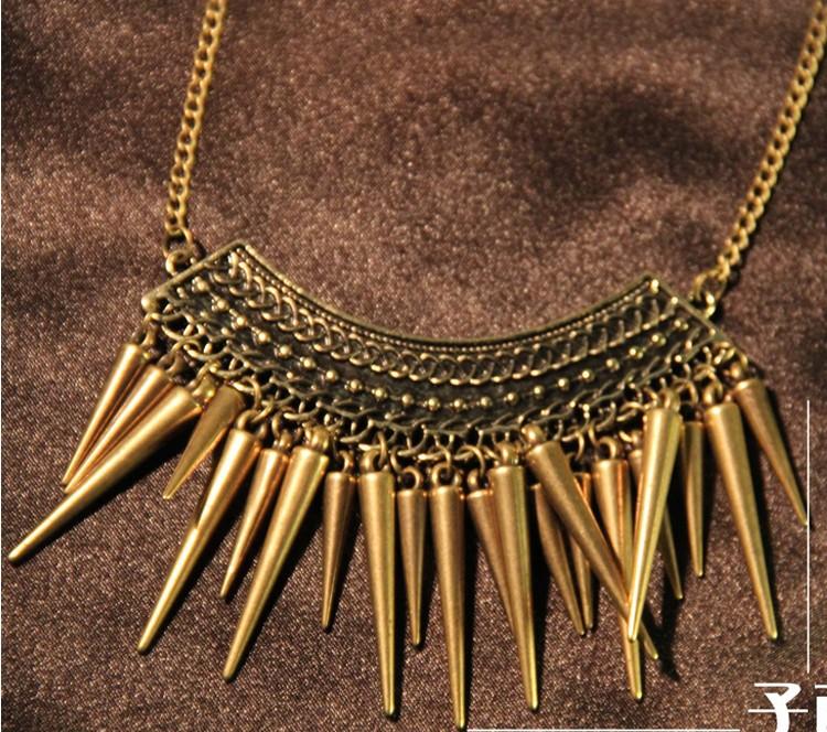 No min. Ordem! Frete grátis! Cobre vintage geométrica gota de água rebite colar para as mulheres. Grosso moda jóias. Presente agradável(China (Mainland))