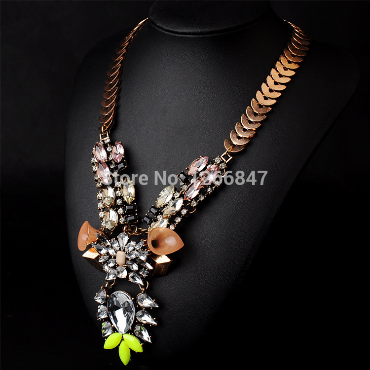 2014 newest brand luxurious vintage exaggerated Alloy Artificial gemstone Pendant statement Choker Necklace with women(China (Mainland))
