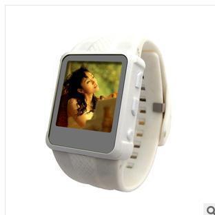 Новая внешняя торговля часы MP4 поддержка FM простой мини -
